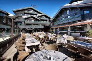 Ein Restaurant oder anderes Speiselokal in der Unterkunft Le Lana