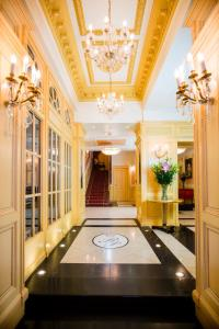 The lobby or reception area at Luxury Family Hotel Royal Palace
