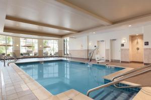 The swimming pool at or near Hilton Garden Inn Boston Logan Airport
