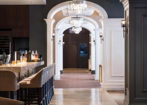 A restaurant or other place to eat at Residence Inn by Marriott Chicago Downtown/Loop
