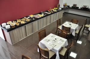 Um restaurante ou outro lugar para comer em Hotel Bela Vista Votorantim