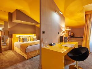 A bunk bed or bunk beds in a room at Le Stelsia Resort
