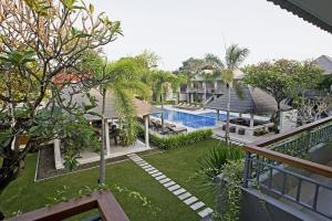 A view of the pool at Dewi Sri Hotel or nearby