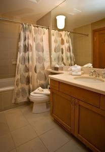 A bathroom at Montebello II by Westwind Properties