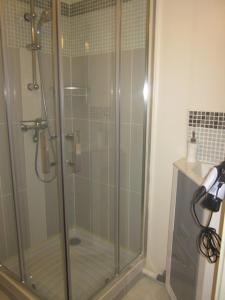 Salle de bains dans l'établissement Naski Location - Dû Man