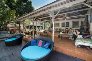 The lounge or bar area at Ubud Sari Health Resort