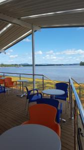 A restaurant or other place to eat at Edgewater Holiday Park