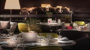 A restaurant or other place to eat at St George Lycabettus
