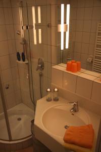 Ein Badezimmer in der Unterkunft Feriendomizil am Kurplatz