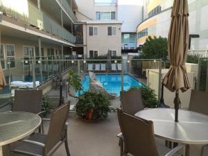 Lounge oder Bar in der Unterkunft Hollywood Orchid Suites