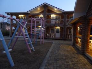 Детская игровая зона в Гостевой Дом Экодом Белые Росы