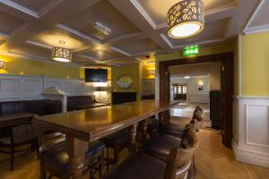 The lounge or bar area at Ballyliffin Hotel