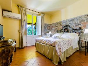 A room at Sangaggio House B&B