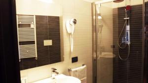 Un baño de Hotel Nautilus