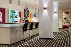 Hall ou réception de l'établissement Comfort Hotel Expo Colmar