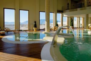 The swimming pool at or near Hotel Golf & Spa Real Badaguás Jaca