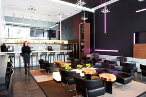 A restaurant or other place to eat at Le Germain Hotel Maple Leaf Square