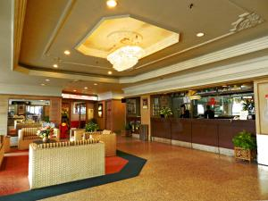 The lobby or reception area at Hotel Rosa Passadena