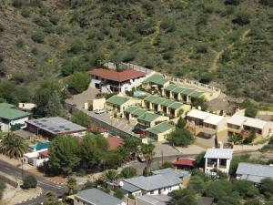 Blick auf Hotel Pension Onganga aus der Vogelperspektive