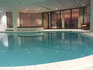 The swimming pool at or near Lapland Hotels Oulu