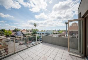 A balcony or terrace at Cityview Studio Accommodation