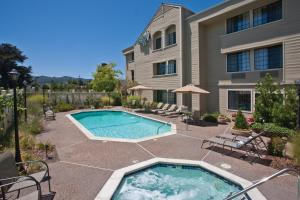 The swimming pool at or near Napa Winery Inn