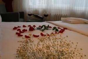 Кровать или кровати в номере Diana Hotel