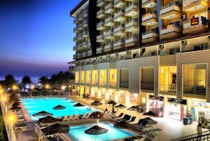 Het zwembad bij of vlak bij Ephesia Hotel - All Inclusive