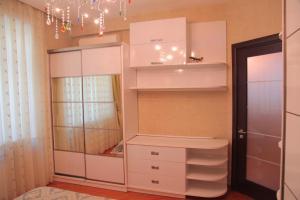 Um banheiro em Modern Apartment On Hasanoghlu str
