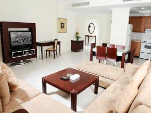 A seating area at Sea Scene Hotel Apartments