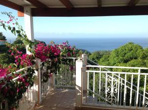 A balcony or terrace at Villa des îles