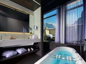 A bathroom at Hotel Lido Palace - The Leading Hotels of the World