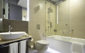 Ванная комната в Four Elements Ekaterinburg