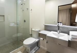 A bathroom at Tropikalya Gold Hotel