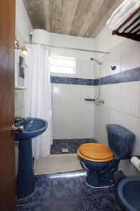 Un baño de Complejo Aguazul