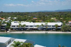 A bird's-eye view of Skippers Cove Waterfront Resort