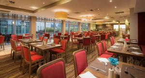 A restaurant or other place to eat at Hilton Garden Inn Luton North