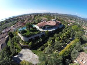 A bird's-eye view of Villa Benedita