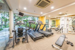 The fitness center and/or fitness facilities at Somerset Bencoolen Singapore (SG Clean)