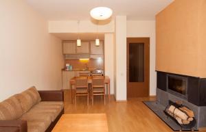 A seating area at Apartments Malina
