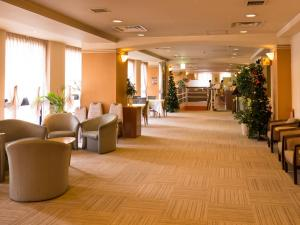 The lobby or reception area at Hotel Sunroute Tochigi