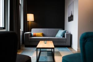 A seating area at UtrechtCityApartments – Weerdsingel