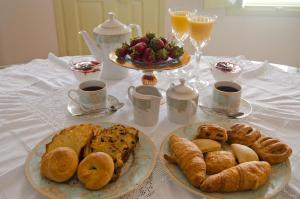 Breakfast options available to guests at Angel Cave Houses
