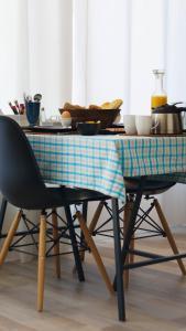 Ein Restaurant oder anderes Speiselokal in der Unterkunft B&B Randje Amsterdam