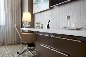 A kitchen or kitchenette at JW Marriott Minneapolis Mall of America
