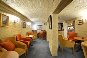 Lounge oder Bar in der Unterkunft Best Western Kilima Hotel