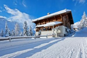 Hotel Stoffel during the winter