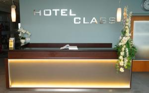 The lobby or reception area at Hotel Class