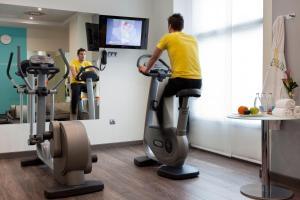 Gimnasio o instalaciones de fitness de Novotel Suites Malaga Centro