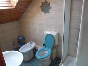 A bathroom at Kerámiapark Guesthaus